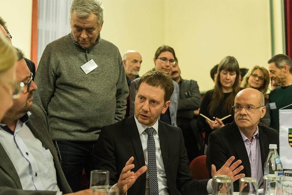 Der neue MP setzt auf Dialog mit den Bürgern, will so Vertrauen wiedergewinnen.