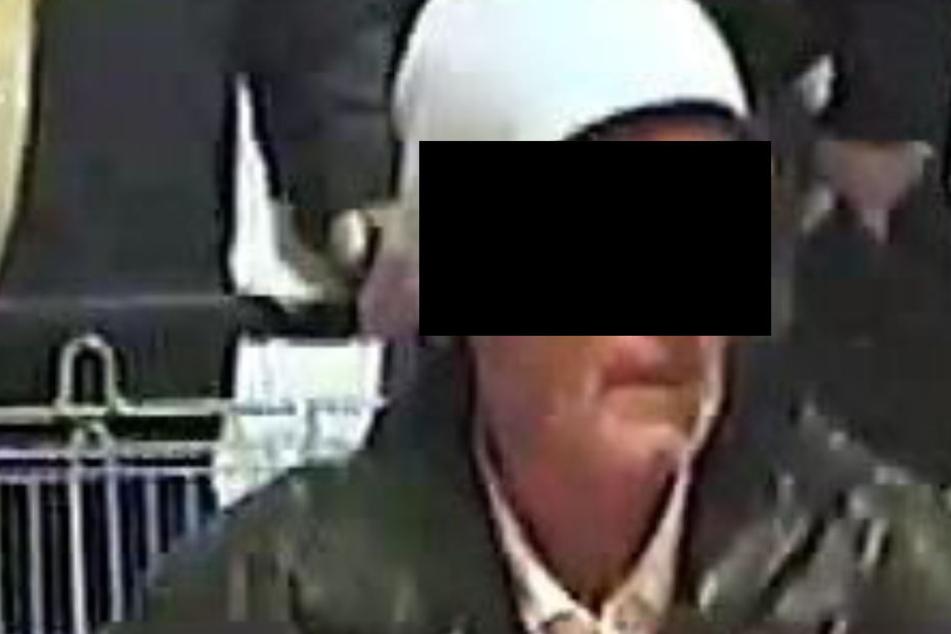 Mit dem Foto einer Überwachungskamera hatte die Polizei nach dem Mann gefahndet.