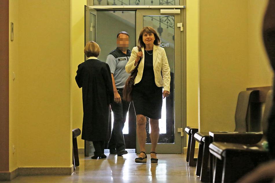 Die Zwickauer OB musste am Mittwoch vor dem Landgericht aussagen.
