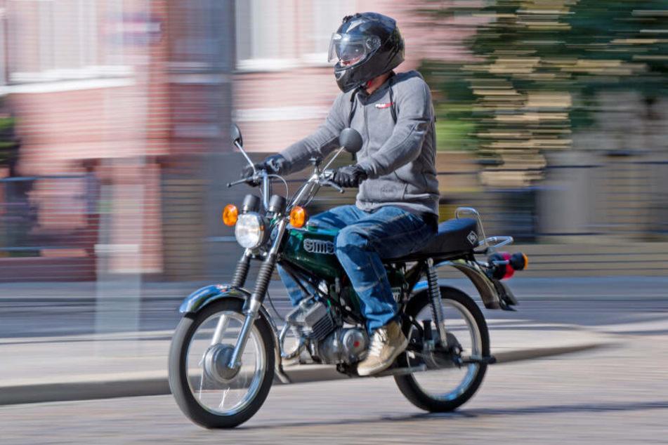 In NRW kann der Mopedführerschein zukünftig bereits mit 15 Jahren erworben werden (Symbolbild).