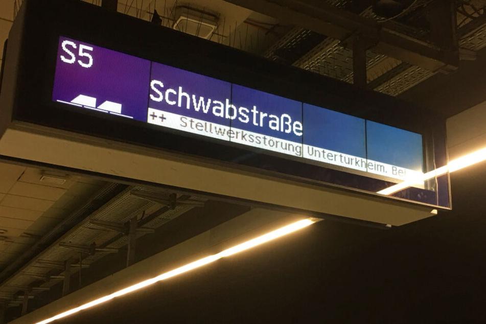 Unter anderem eine Stellwerksstörung in Untertürkheim sorgt für Ärger.
