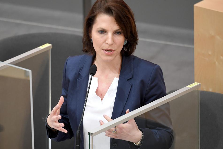 Karoline Edtstadler (40, ÖVP) fordert, über Änderungen bei Abschiebungen nachzudenken.