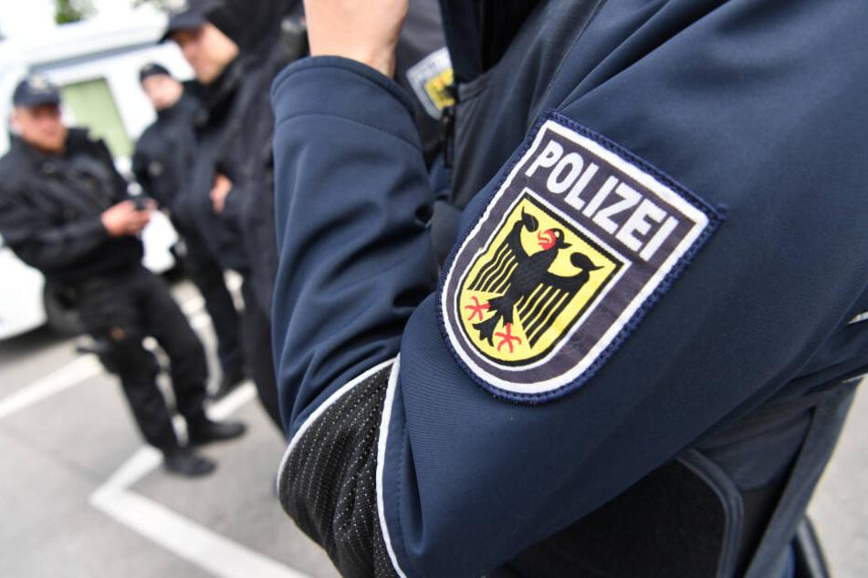 Der Betrunkene bedrohte Bundespolizisten. (Symbolbild)