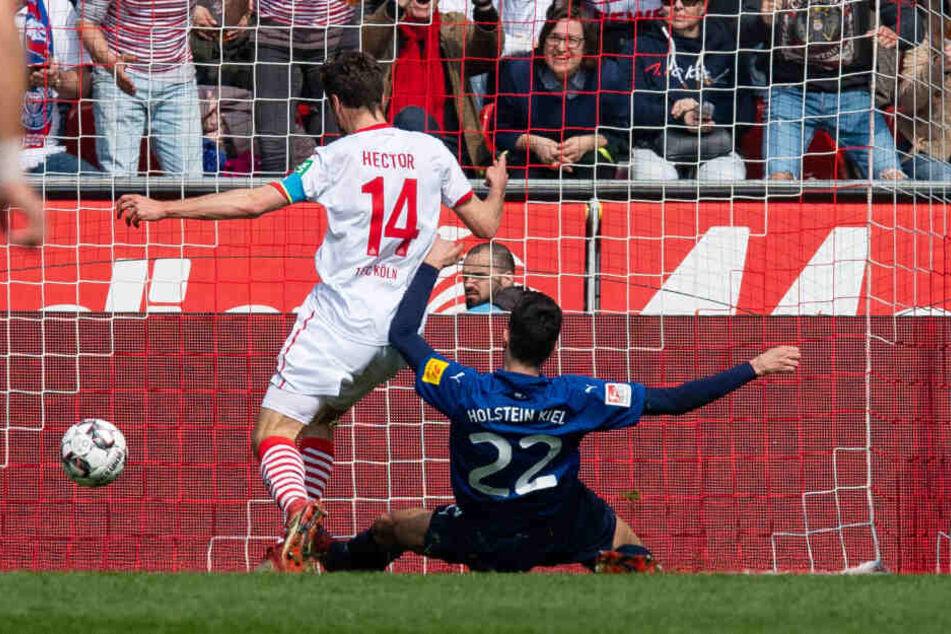 Jonas Hector trifft zum 2:0 für den 1. FC Köln (26.).