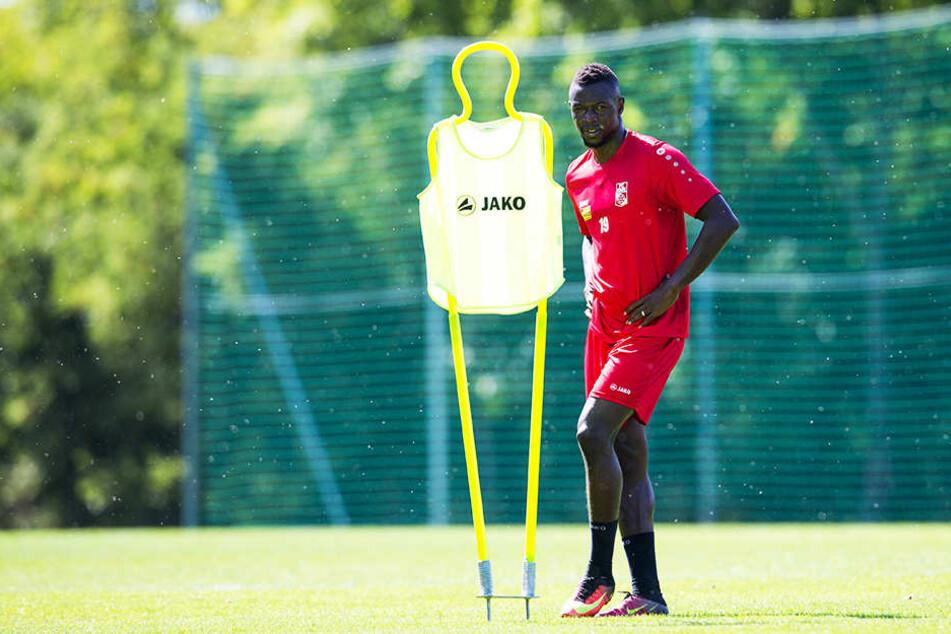 Mame Mbar Diouf ist der jüngere Bruder vom senegalesischen WM-Teilnehmer Mame Biram Diouf (Stoke City, früher Hannover 96).