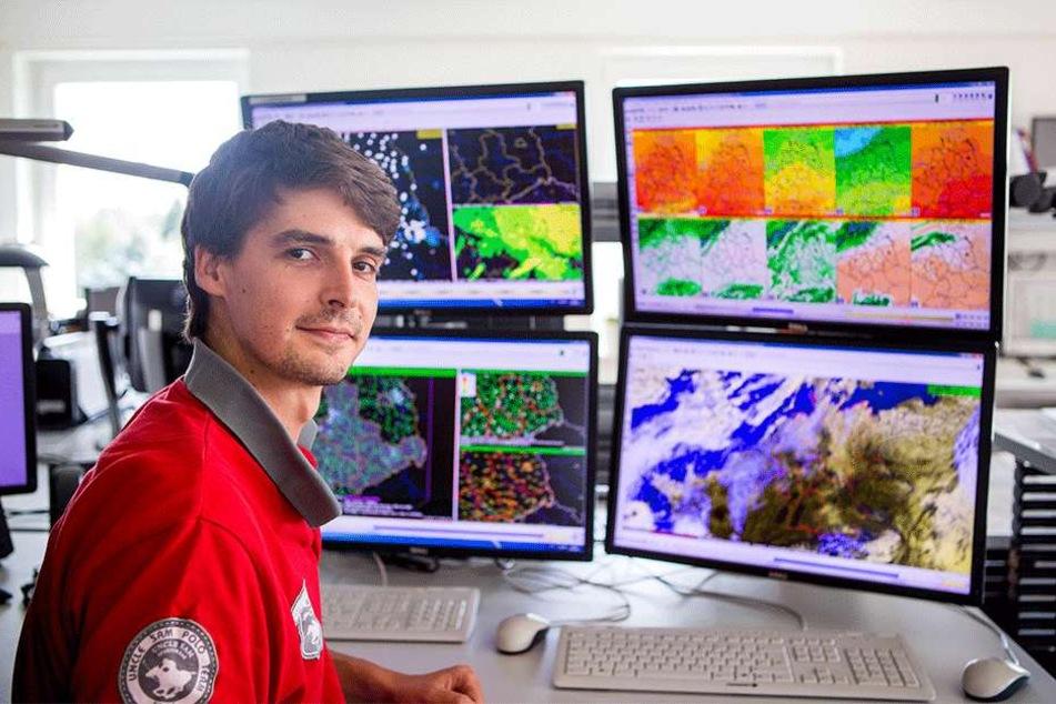 Meteorologe Florian Engelmann (29) vom Deutschen Wetterdienst gibt für die  kommenden Tage Entwarnung.