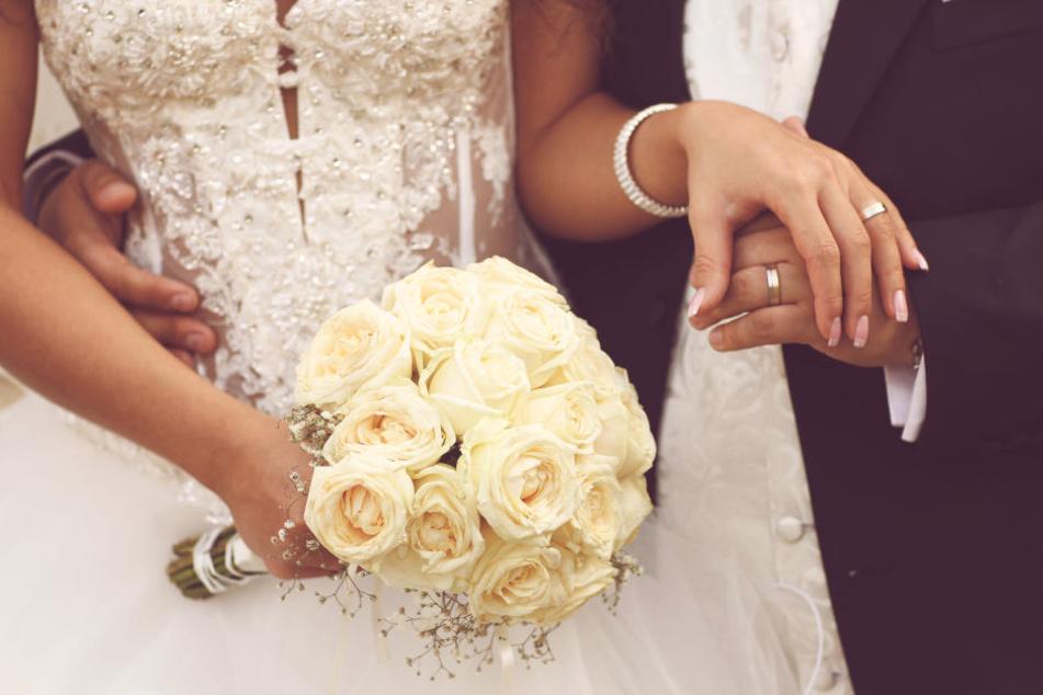 Im Vergleich zu 1990 sind Pärchen in NRW bei der ersten Eheschließung zwei Jahre älter.