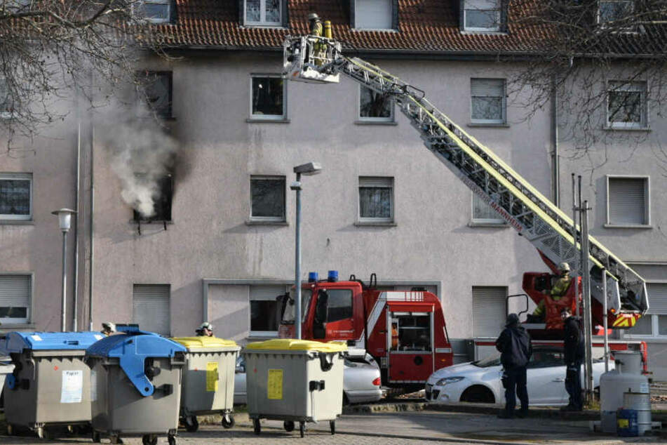 Das Feuer im ersten Stockwerk zog auch ein Appartement im zweiten Stock in Mitleidenschaft.