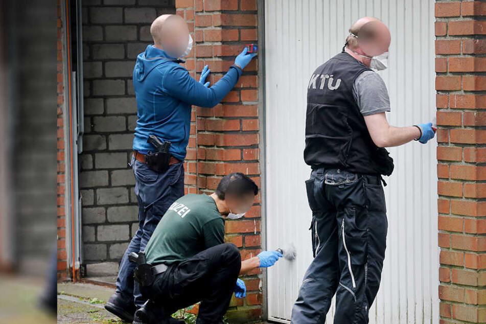 Ein 29-jähriger Mann ist wenige Meter vor seinem Wohnhaus bewusstlos geschlagen und anschließend ausgeraubt worden (Symbolbild).