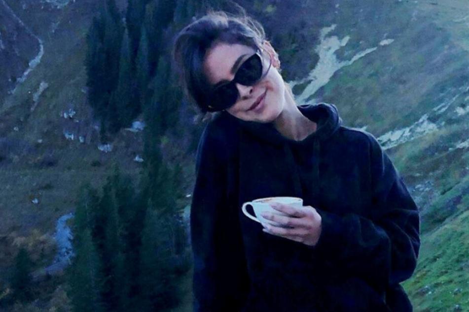 Sängerin Lena Meyer-Landhut (28) ganz entspannt bei einem Wanderausflug am Wallberg in Oberbayern.