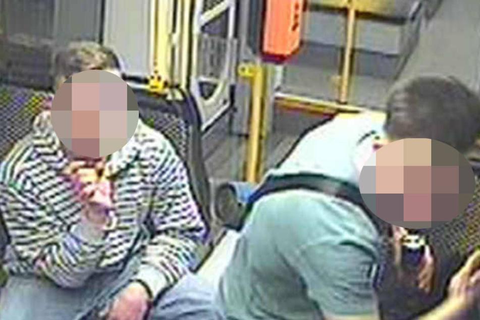 Die Dresdner Polizei fahndet nach diesen beiden Tätern.