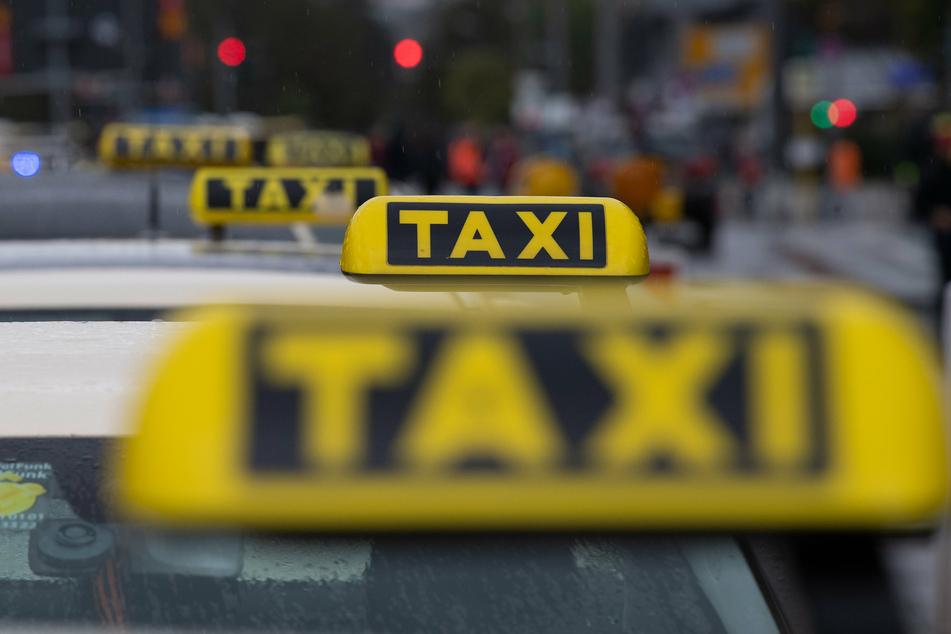 Ein aufmerksamer Taxifahrer hilft der Polizei bei der Suche nach einer vermissten Frau.