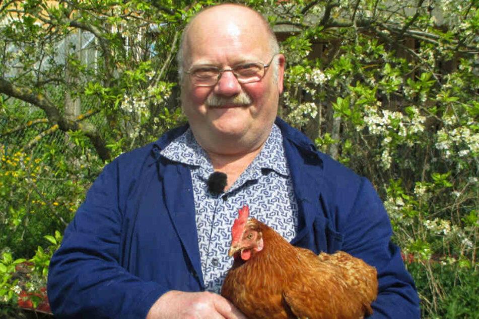 Schon bald will er eine echte Henne im Arm halten: Der liebevolle Thüringer Günter.