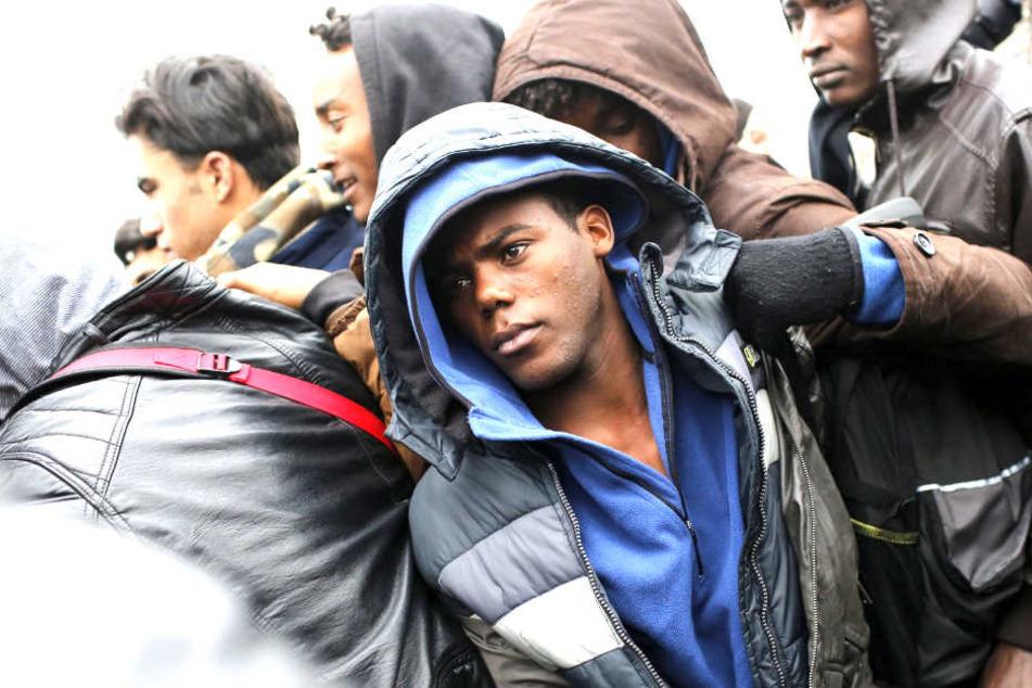 Massenschlägerei zwischen Migranten in Calais