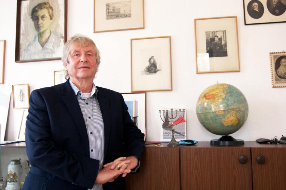 Edmund Käbisch (75) bei sich Zuhause.