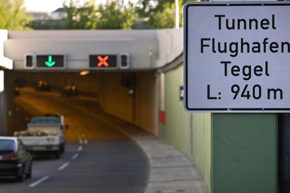 Im Tunnel am Flughafen Tegel sorgte ein Geisterfahrer für einen Crash.