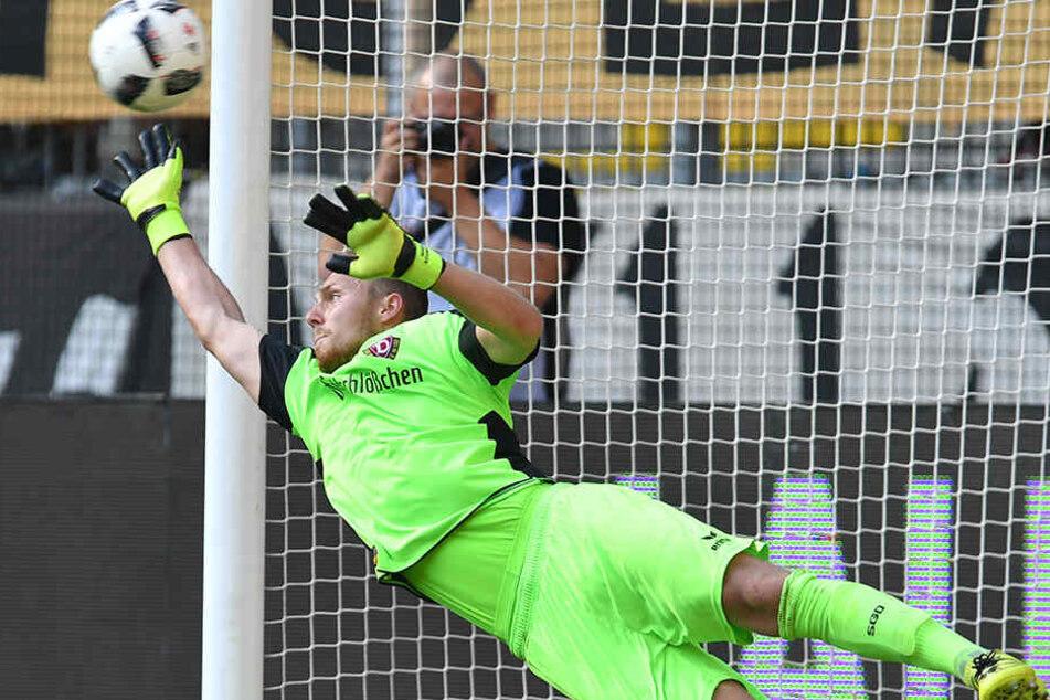 Marvin Schwäbe hielt gegen St. Pauli im letzten Heimspiel das erste Mal zu Null.