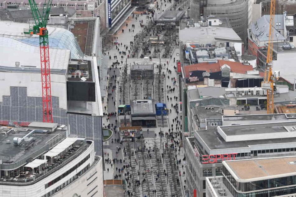 Immer was los: Die Zeil ist die Haupt-Einkaufsstraße in Frankfurt.
