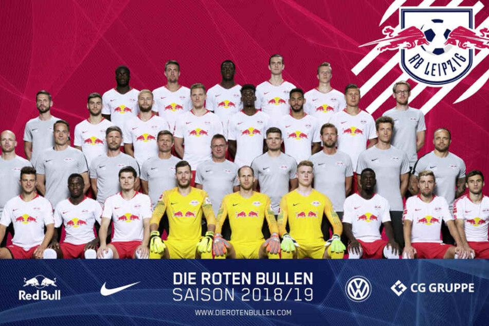 Auf dem offiziellen Mannschaftsfoto können sich die Spieler kaum ein Lächeln abringen.