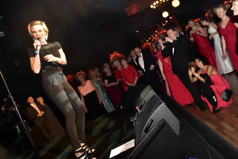 Bei der Mitternachtsshow heizte die belgische Sängerin Kate Ryan ein.