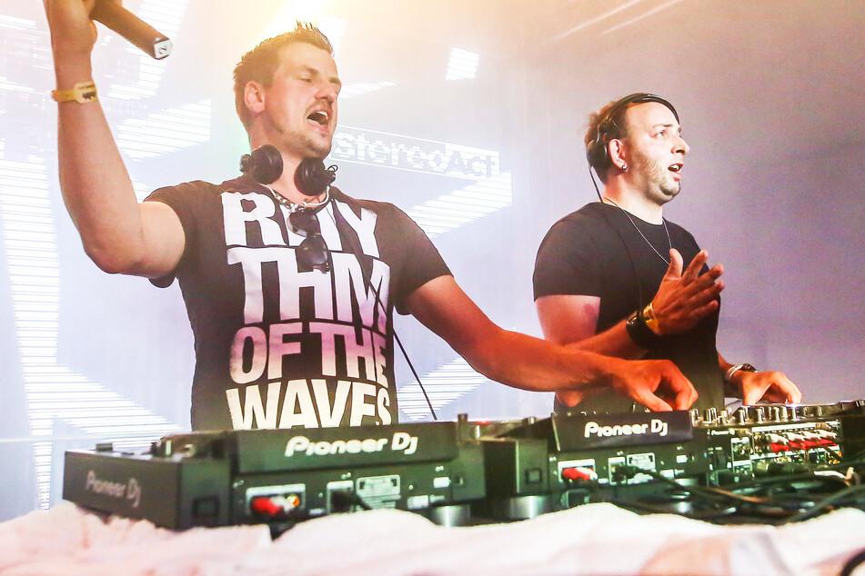 DJ-Duo Stereoact streamt eigene Musik und wird von Plattform ausgeschlossen