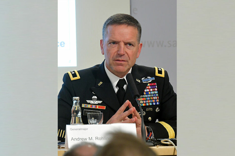 US-General Andrew M. Rohling bemüht sich um Transparenz bei den Truppenbewegungen.