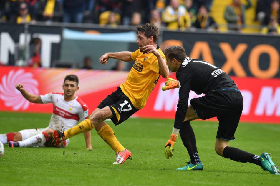 """Geburtstagskind """"Lumpi"""" Lambertz besorgte die 2:0-Führung."""