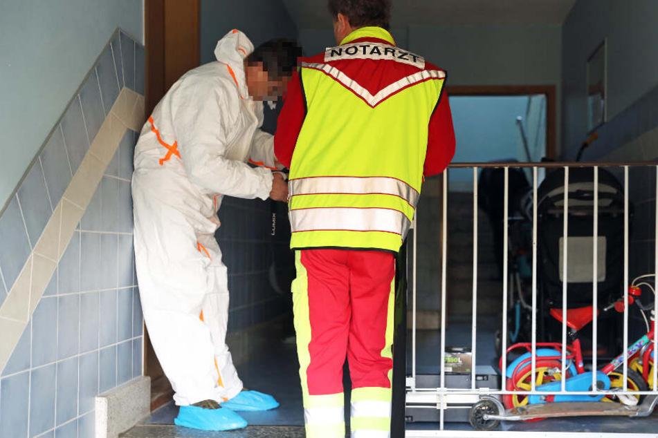 Mann und Frau tot in Wohnung gefunden! Sohn gesteht Mord an Eltern