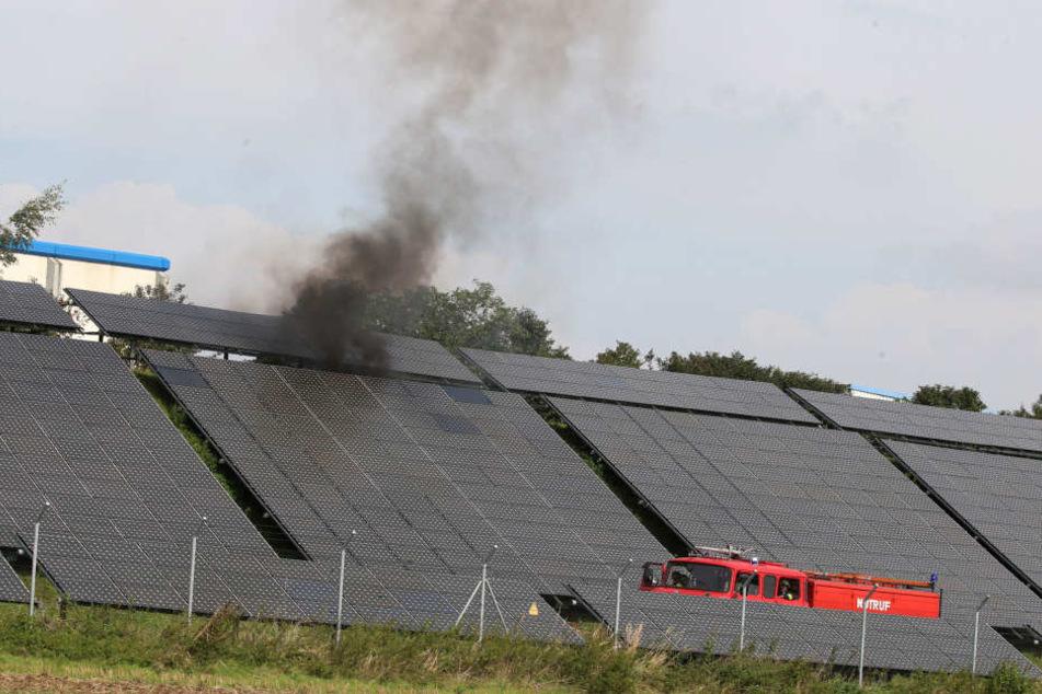 Ein Solarmodul der Anlage an der A4 hatte Feuer gefangen.