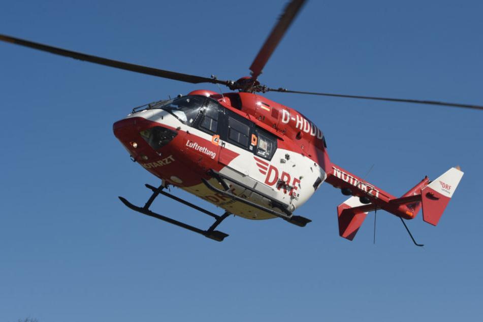 Hubschrauber brachten die Verletzten ins Krankenhaus. (Symbolbild)