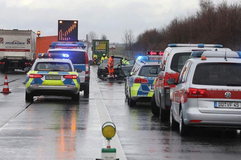 Die Polizei musste die A4 teilweise sperren.