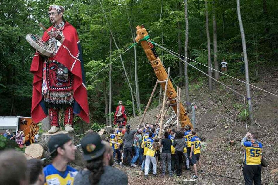 Karl-May-Festtage: Indianer zeigt uns seinen Pfahl