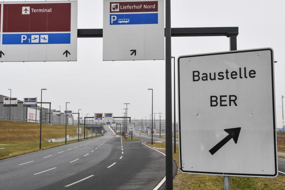 Baufirmen Berlin Brandenburg keine ruhe am pannen airport kabelsalat lässt ber durch den tüv