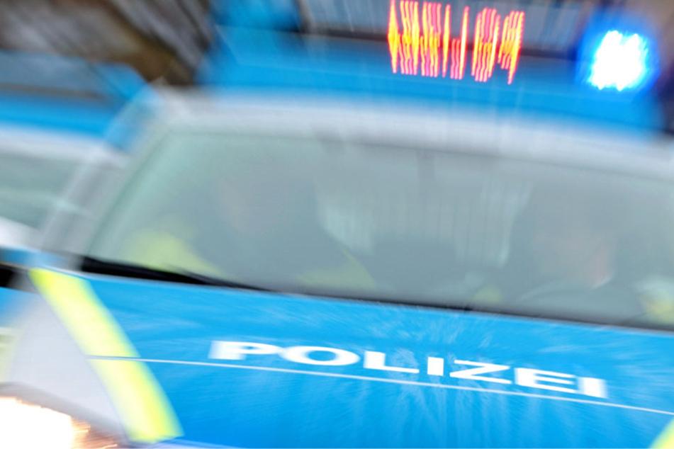 Die Polizei stoppte den Amok-Fahrer gegen 19.15 Uhr im Bereich Alte Gasse (Symbolbild).