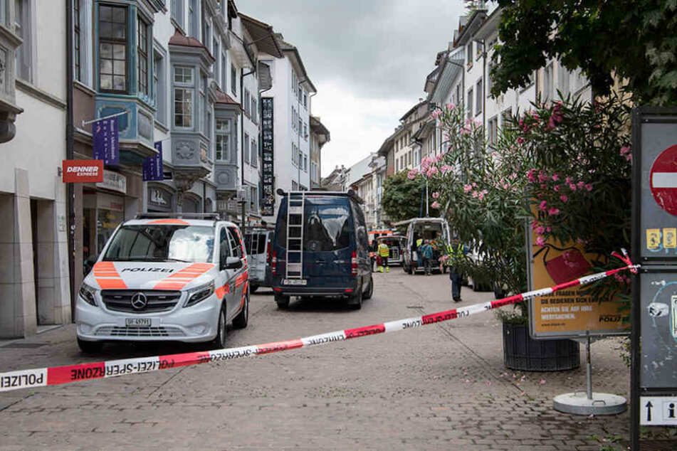 In der Altstadt von Schaffhausen (Schweiz) verletzte ein Mann mit Kettensäge fünf Menschen.