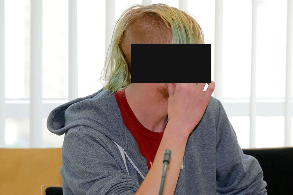 Vincent L. (22) am Montag vor dem Amtsgericht in Chemnitz.