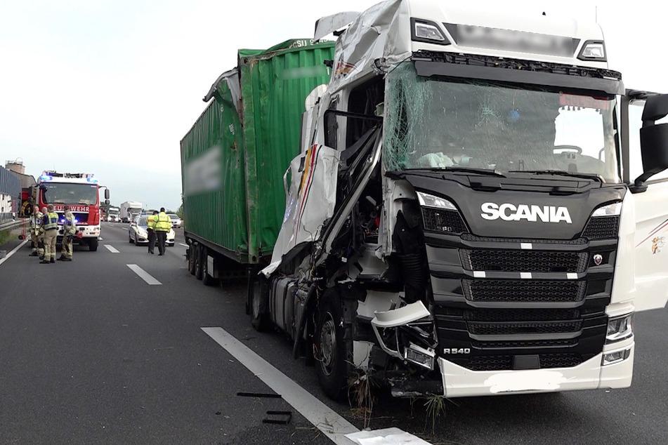 Auf der A2 verunfallte am Donnerstagmorgen ein Lkw.