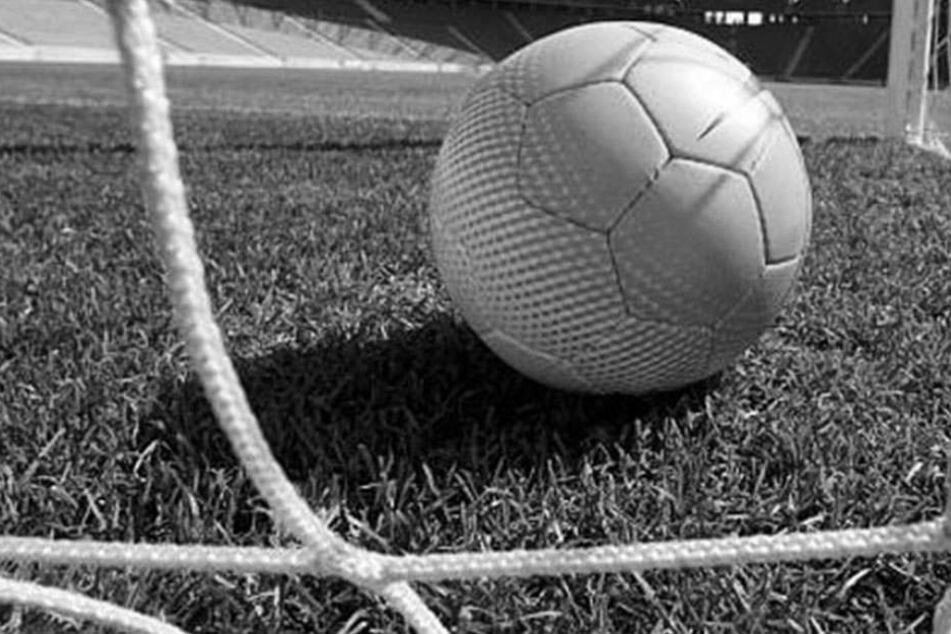 Der Verein VfL Edewecht muss den Tod von zwei Sportlern betrauern.