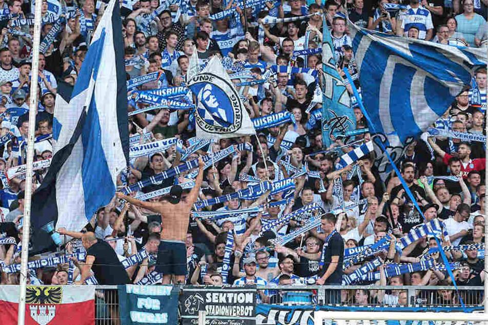 Die Fans des MSV Duisburg hier beim Pokal-Heimspiel gegen Zweitligist Greuther Fürth.