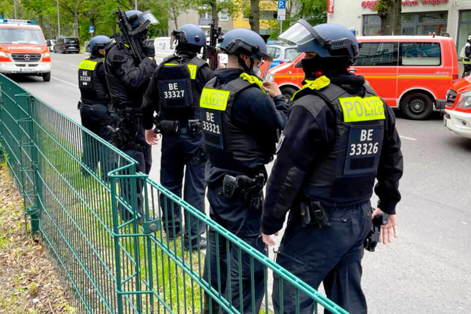 Raubüberfall auf Bankfiliale in Berlin: Zwei Verletzte!