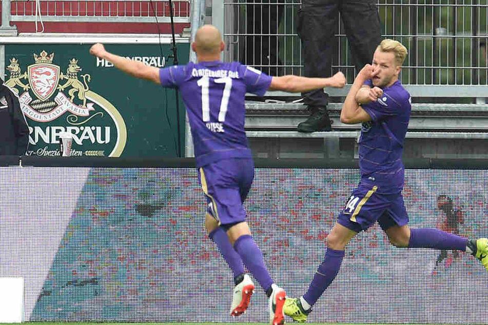 Pascal Köpke (rechts) bejubelt den Treffer zum 1:0.
