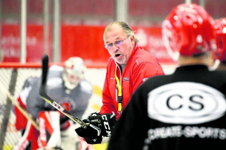 Geht in seine zweite Saison mit den Eispiraten: Trainer Kim Collins.