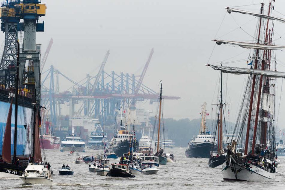 Der Hafengeburtstag ist jedes Jahr ein großer Touristenmagnet. Archivbild.