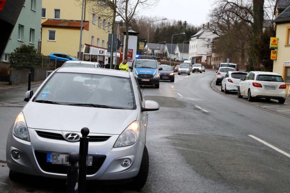 Ein Fußgänger wurde auf der Bornaer Straße von einem Hyundai erfasst.