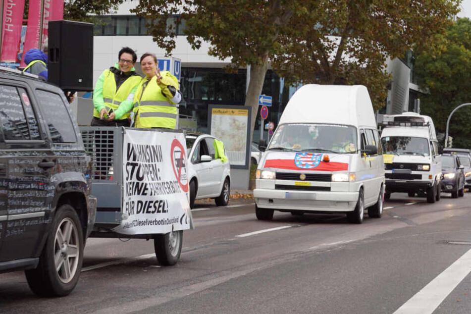 Wütende Hupkonzerte: Gegner des Diesel-Fahrverbots ziehen durch Stuttgart