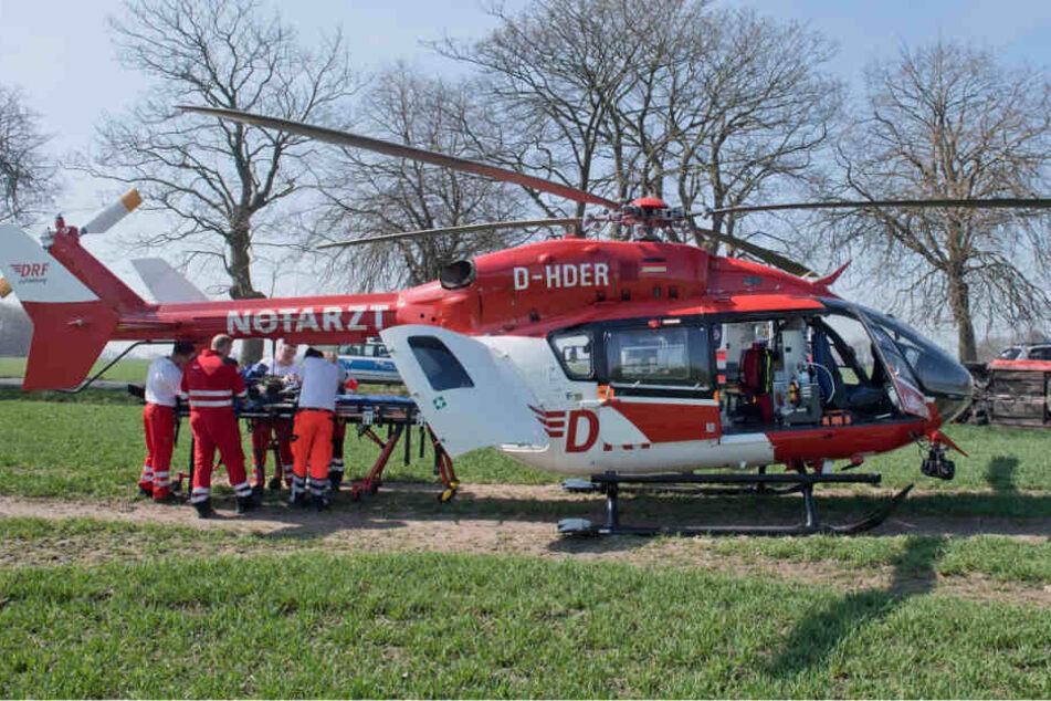 Der 71-jährige Mann musste mit einem Hubschrauber in eine Spezialklinik geflogen werden. (Symbolbild)