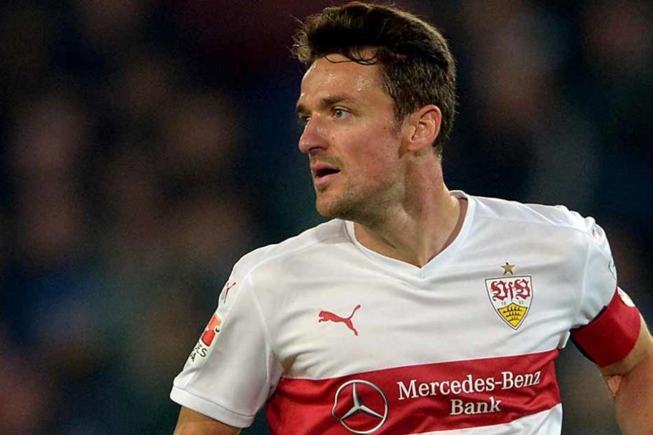 Musste aufgrund seiner Brüche im Gesicht erneut unters Messer: VfB-Kapitän Christian Gentner. (Archivfoto)