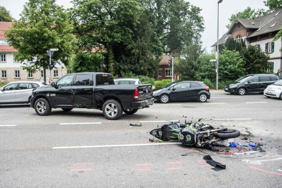 Der 30-Jährige erlag noch vor Ort seinen Verletzungen.