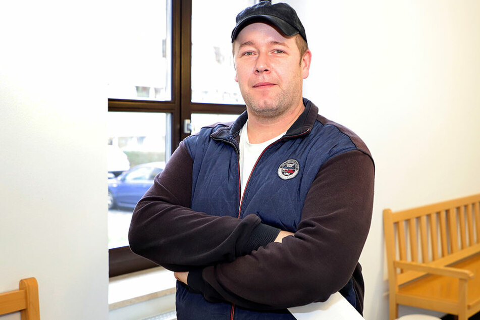 Kraftfahrer Michael Groß (35) fand den Toten auf dem Feld bei Breitenau, sagte am Montag als Zeuge aus.
