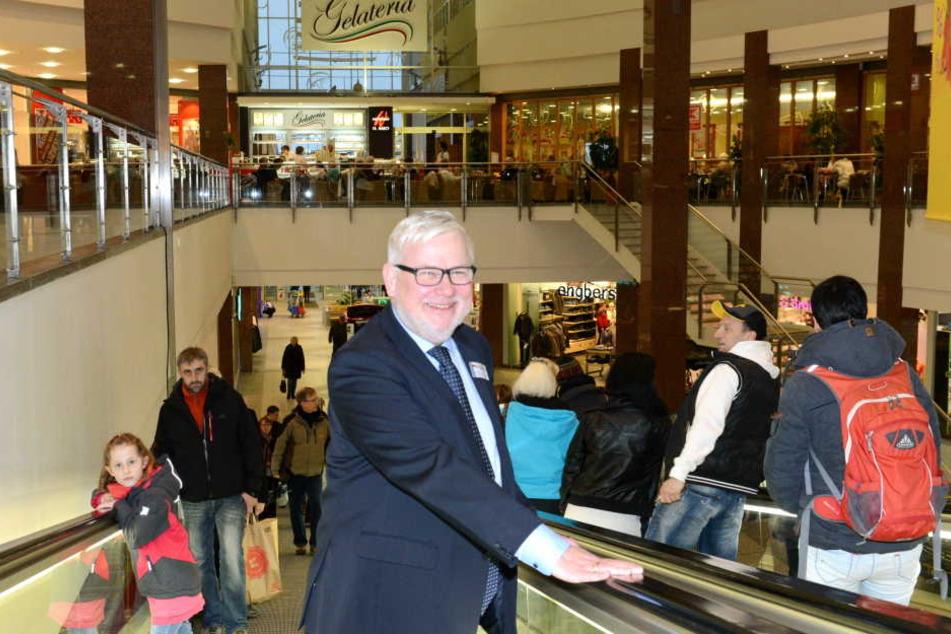Willkommen! Der neue Centermanager Michael Bilinger (59) präsentiert sich  erstmals der Öffentlichkeit.